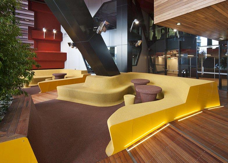 dezeen_RMIT-Swanston-Academic-Building-by-Lyons_ss_8