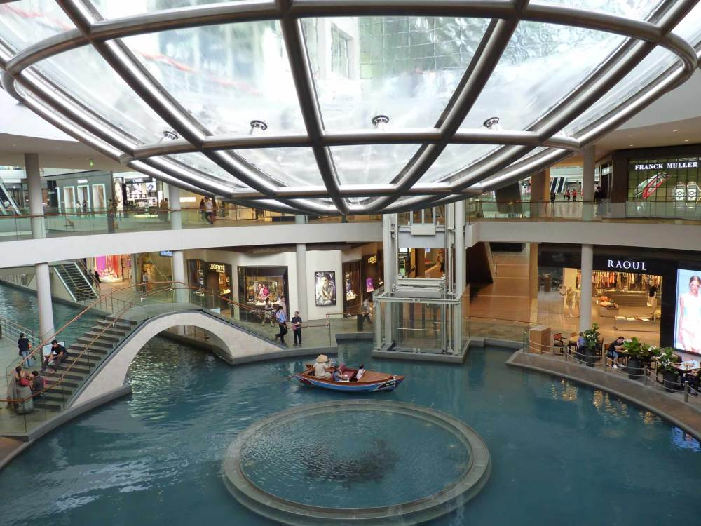 The_Shoppes_at_Marina_Bay_Sands_Singapore