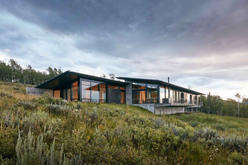 005 -Abramson-Teiger-Architects-Wyoming-Residence-Exterior-Back