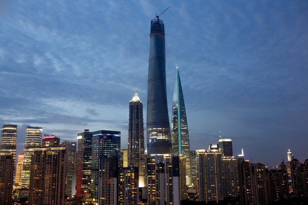 53e136dac07a8018740001e7_shanghai-tower-enters-final-stage-of-construction_shanghaitower2