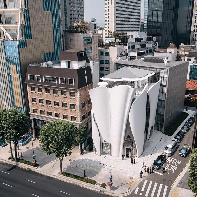 dior-boutique-seoul-christian-de-portzamparc-designboom-02