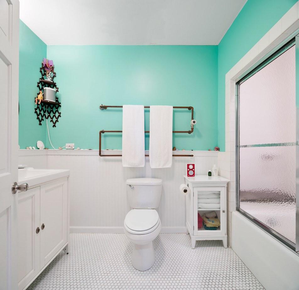 007 72-East-1st-Street-bath
