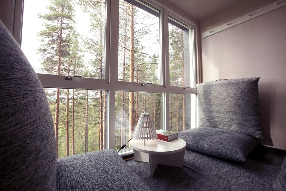 010 874_cabin_interior_2a